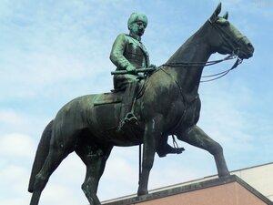 Памятник маршалу Маннергейму (3).