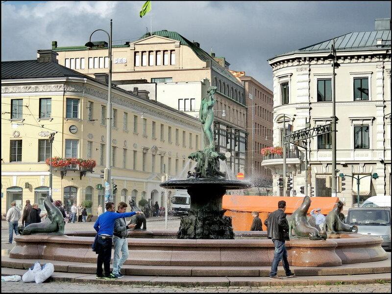 Helsinki 9856 Havis Amanda