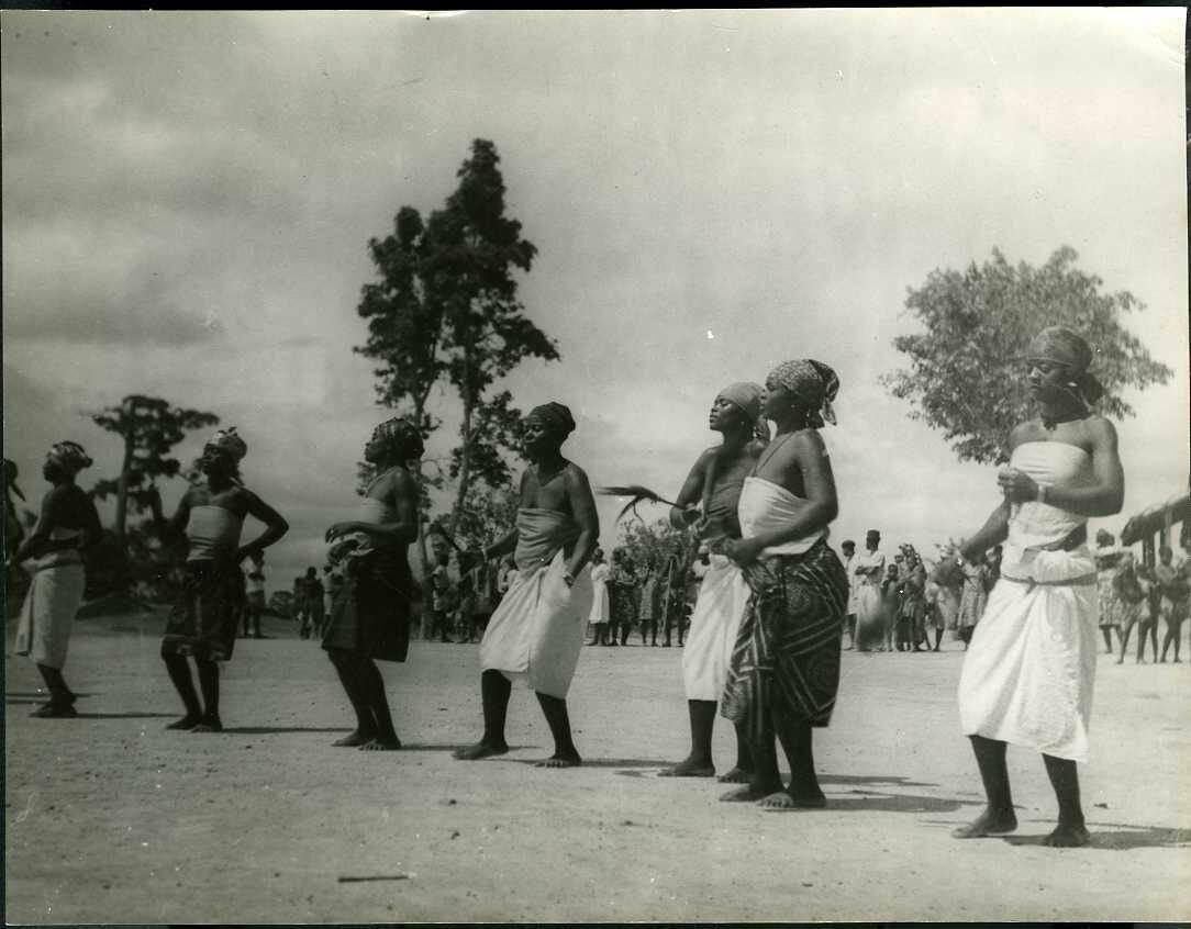 1943. Камерун. Танцоры