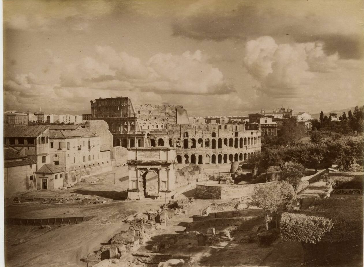 Колизей и триумфальная арка Тита