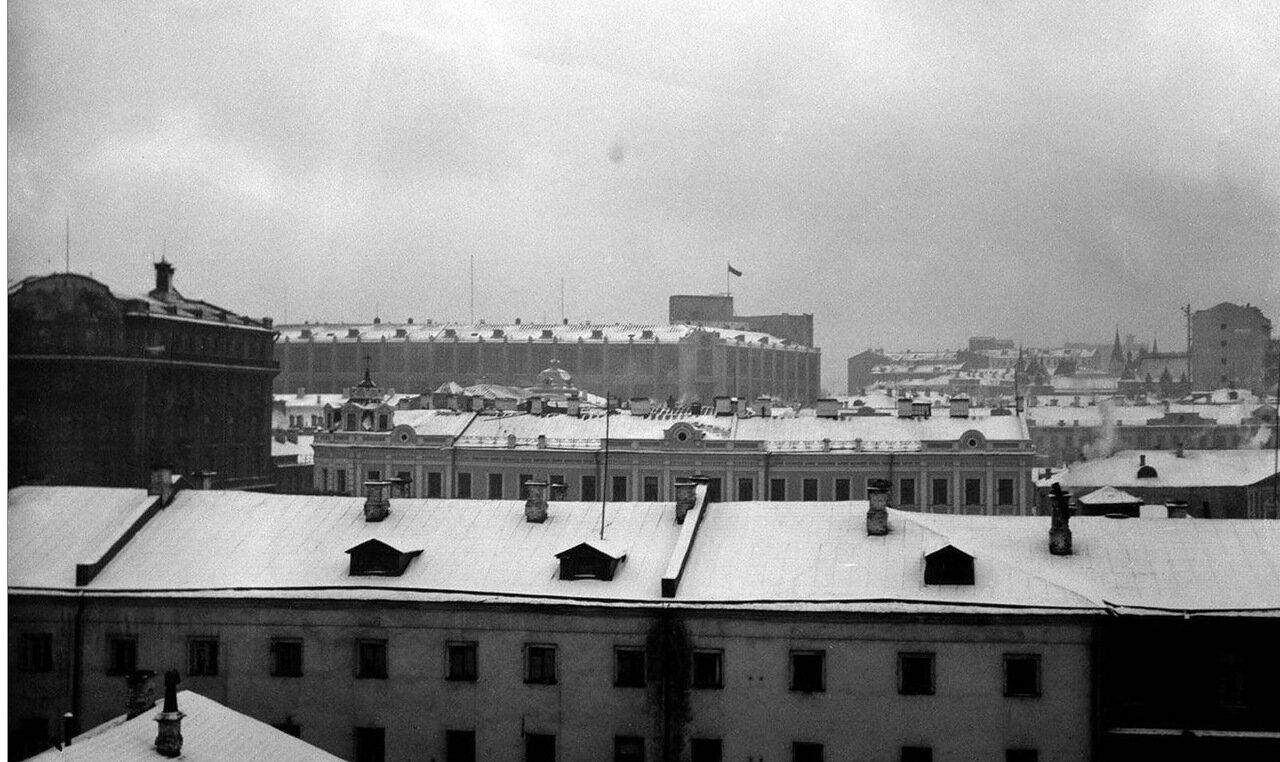 45. Покрытые снегом крыши