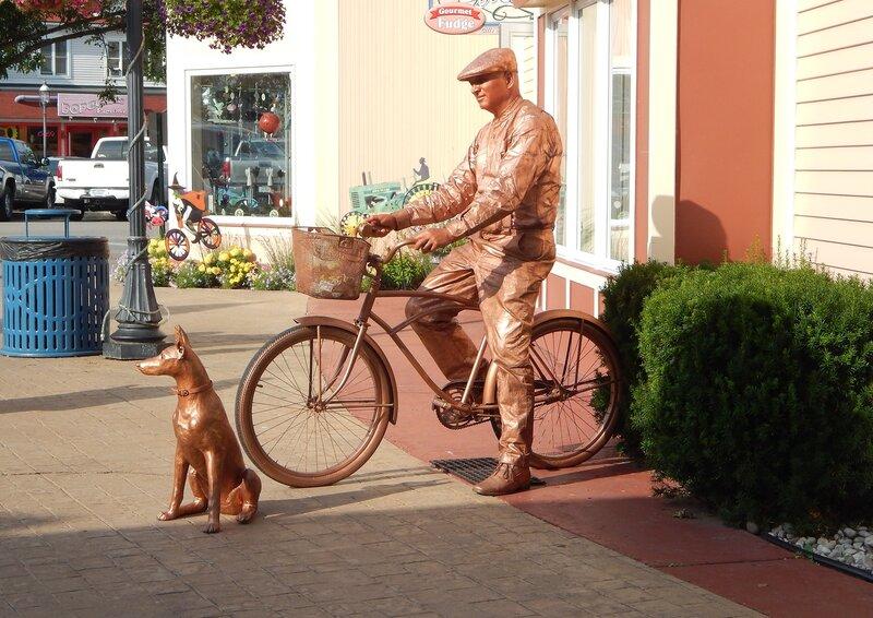 Велосипедист.