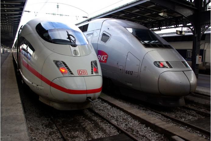 Самые быстрые поезда (10 фото)