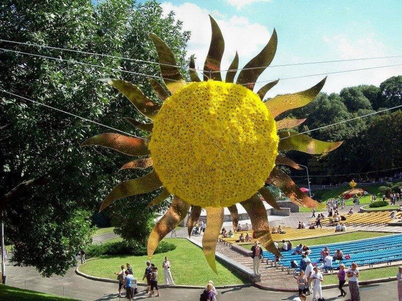 Киев. Солнце на выставке цветов 2011