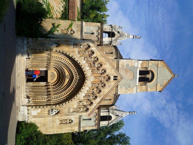 Будапешт, церковь в замке Вайдахуняд (Budapest church at the castle Vajdahunyad)