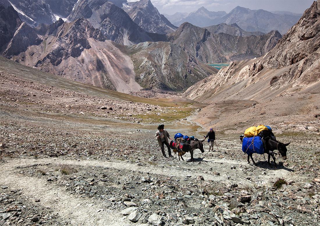 носильщики в горах
