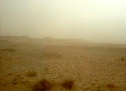 Пыльная буря в пустыне