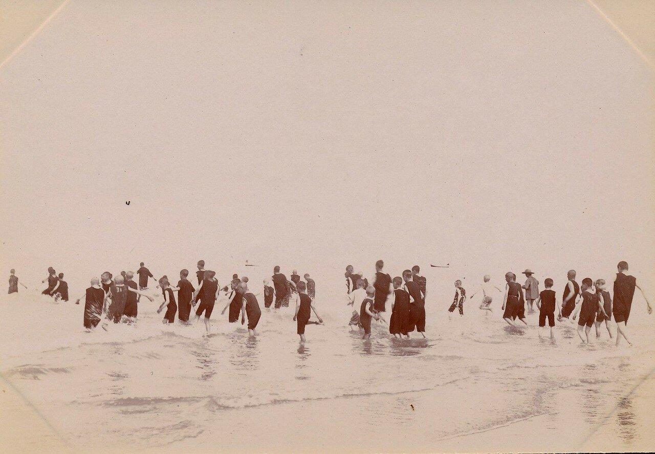 Берк. Купание детей. 1895