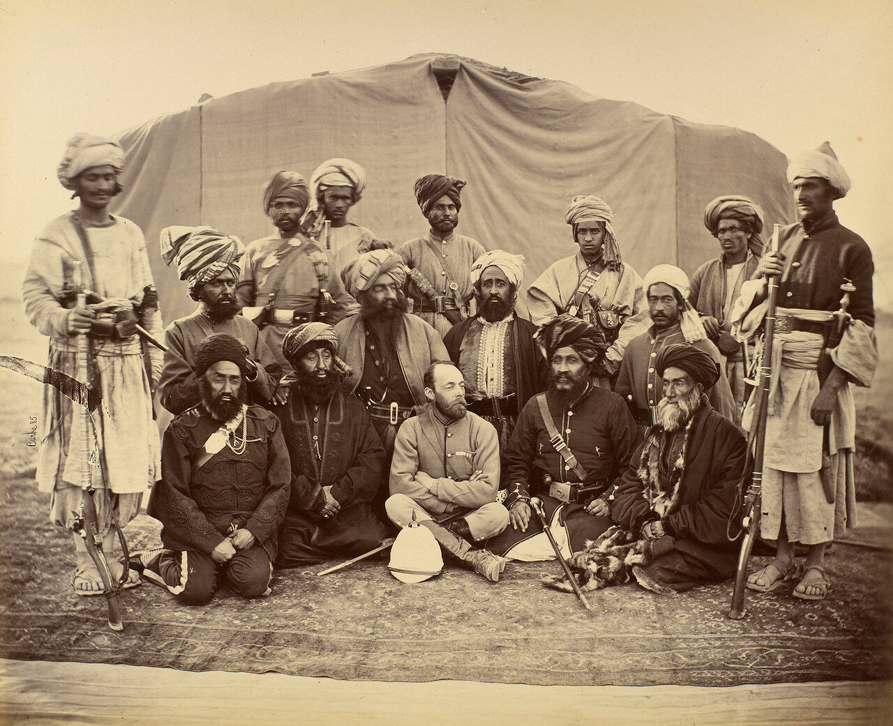 Сэр Пьер Луи Наполеон Каваньяри с афганскими племенными вождями