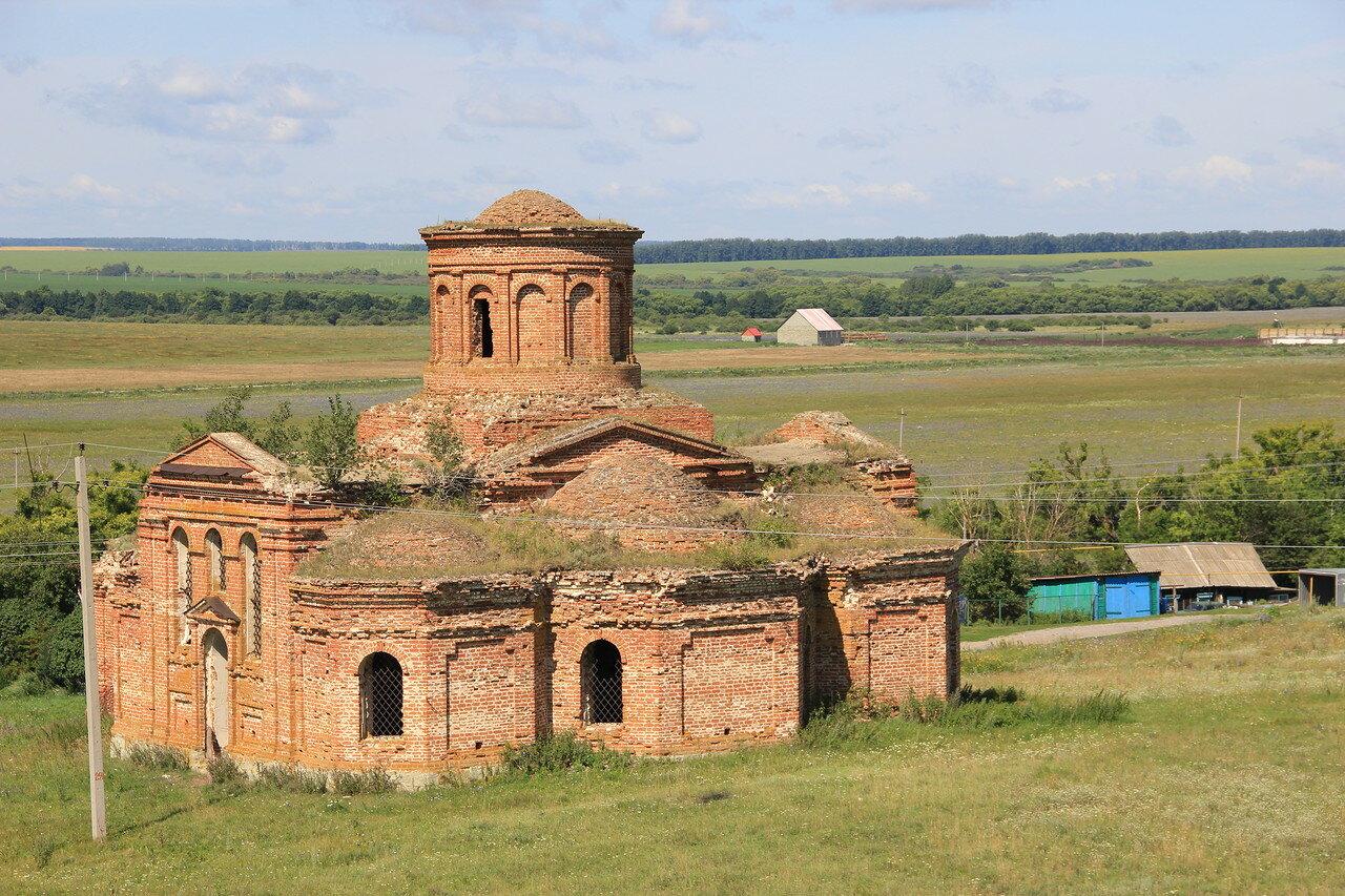 Старая церковь около Анучина