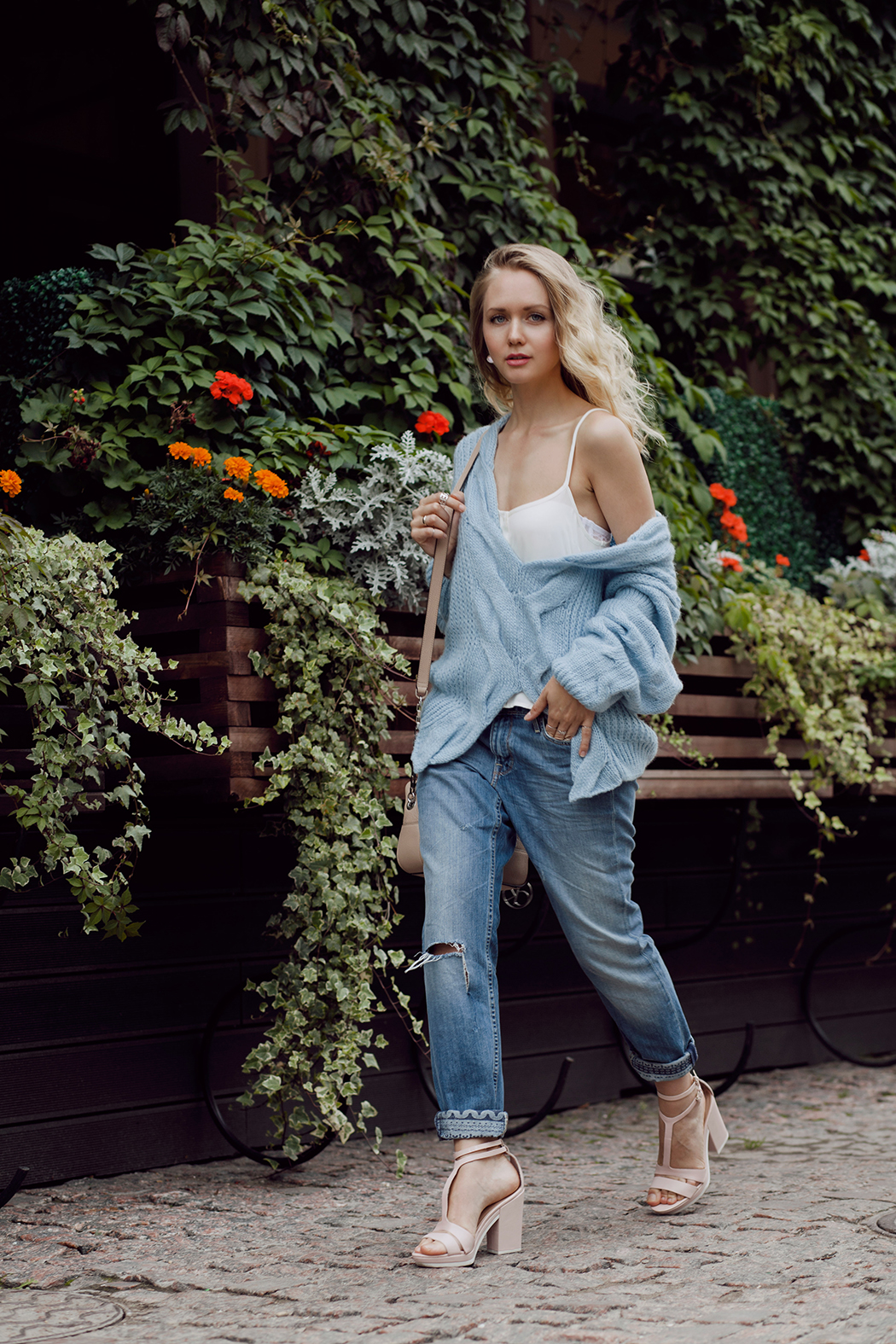 inspiration, streetstyle, summer outfit, summer streetstyle, autumn outfit, knitted sweater, oversize sweater, annamidday, top fashion blogger, top russian fashion blogger, фэшн блогер, русский блогер, известный блогер, топовый блогер, russian bloger, top russian blogger, streetfashion, russian fashion blogger, blogger, fashion, style, fashionista, модный блогер, российский блогер, ТОП блогер, ootd, lookoftheday, look, популярный блогер, российский модный блогер, annamidday, top russian blogger, summer look,  russian girl, с чем носить бойфренд джинсы,  girly, calvin klein, blue sweater, boyfriend jeans, lee, choies, how to wear sweater, вязаный свитер, с чем носить свитер, красивая девушка, русская девушка, fashion week