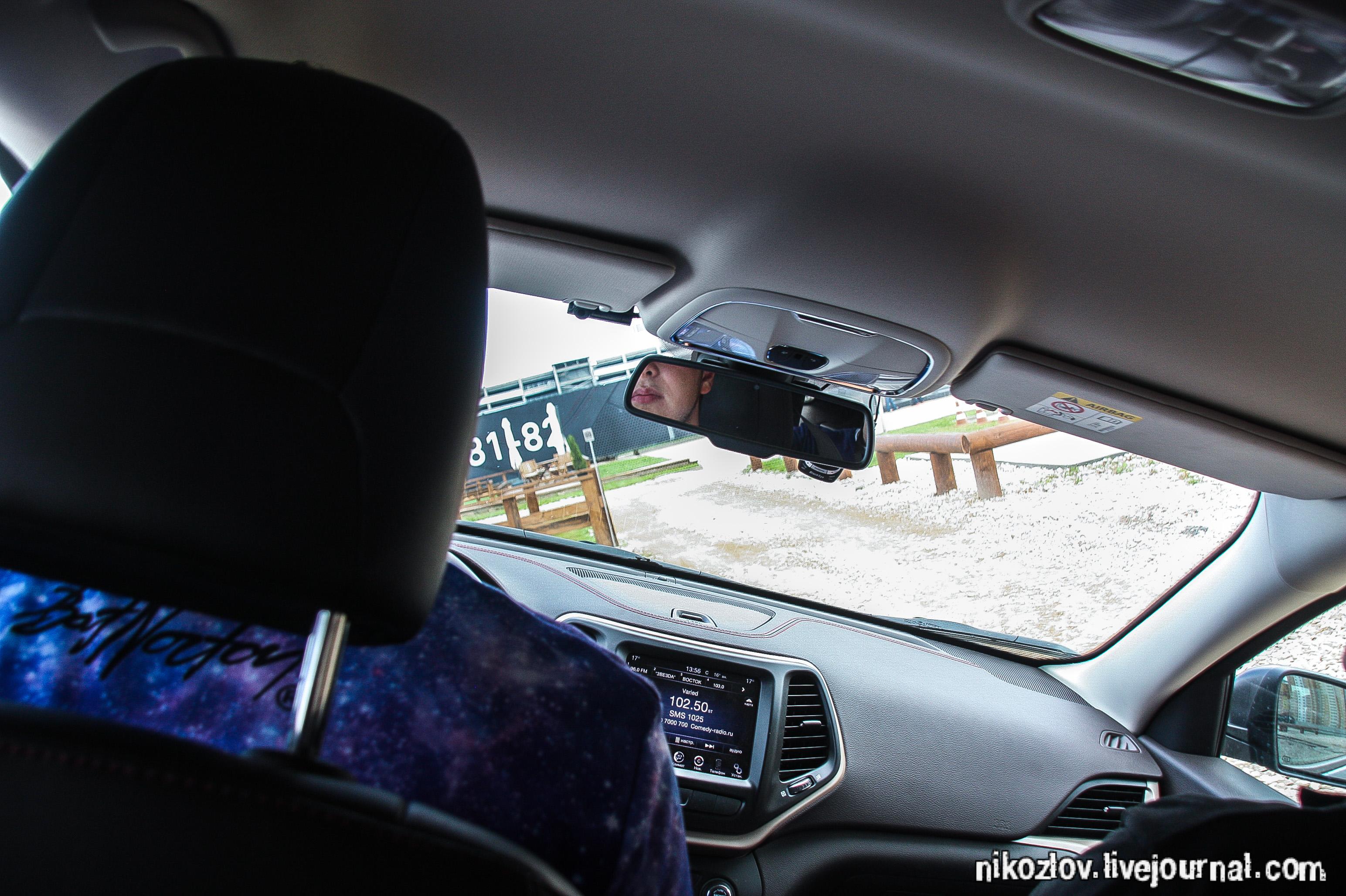 Фото мужик около своей машины 4 фотография