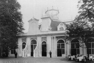 Центральный павильон выставки.