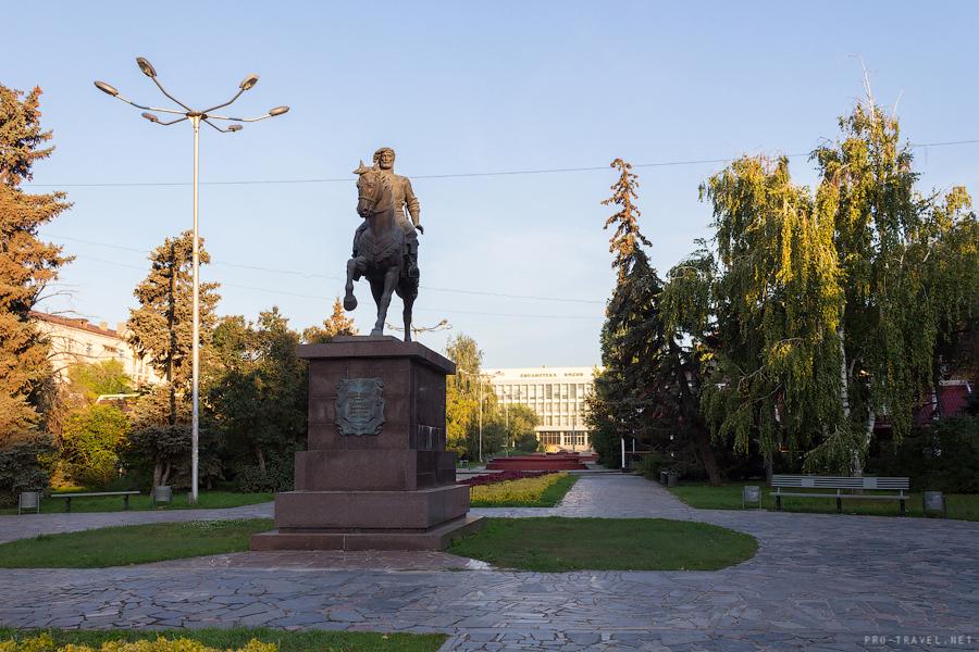 Волгоград. Памятник Григорию Засекину