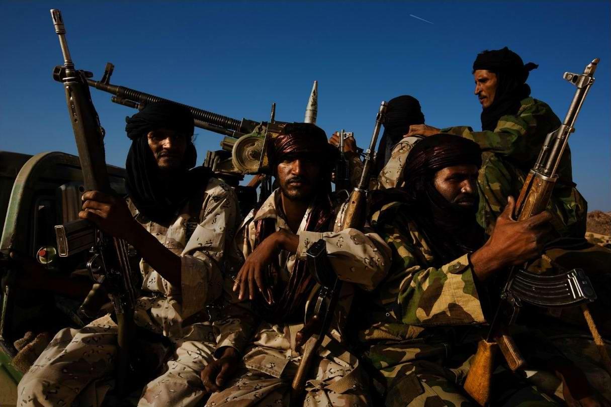 Воинственные североафриканские туареги на снимках фотографа из ЮАР Brent Stirton (4)