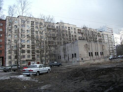 пр. Художников 33к1, парадные 6-9