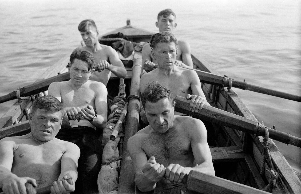 Студенты на реке Томь
