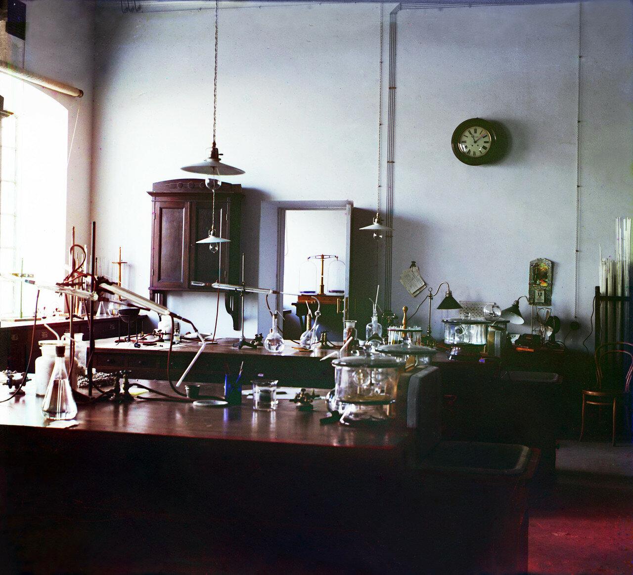 Окрестности Мерва. Байрам-Али. Мургабское имение. Лаборатория при хлопковом заводе
