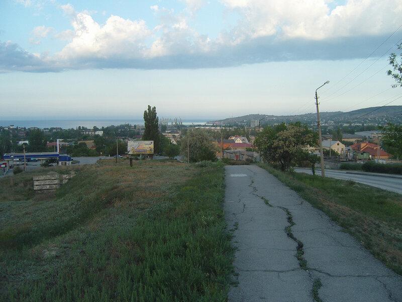 вид на город, порт и залив с ул.Челнокова