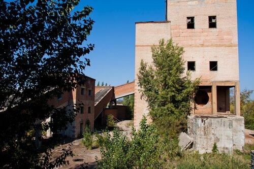 Заброшенная часть промзоны, саратовская область