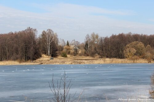 Рябчи. Март. Вид с плотины на дом Медведковых.