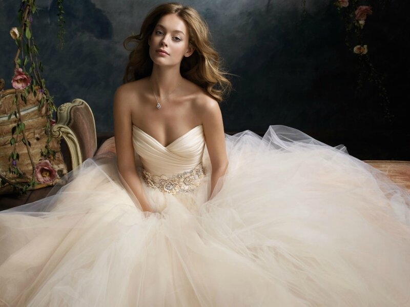 147784lazaro-bridal-tulle-ball-gown-pleated-silk-satin-organza-floral-jewel-natural-waist-circular-chapel-train-3108_zm.jpg