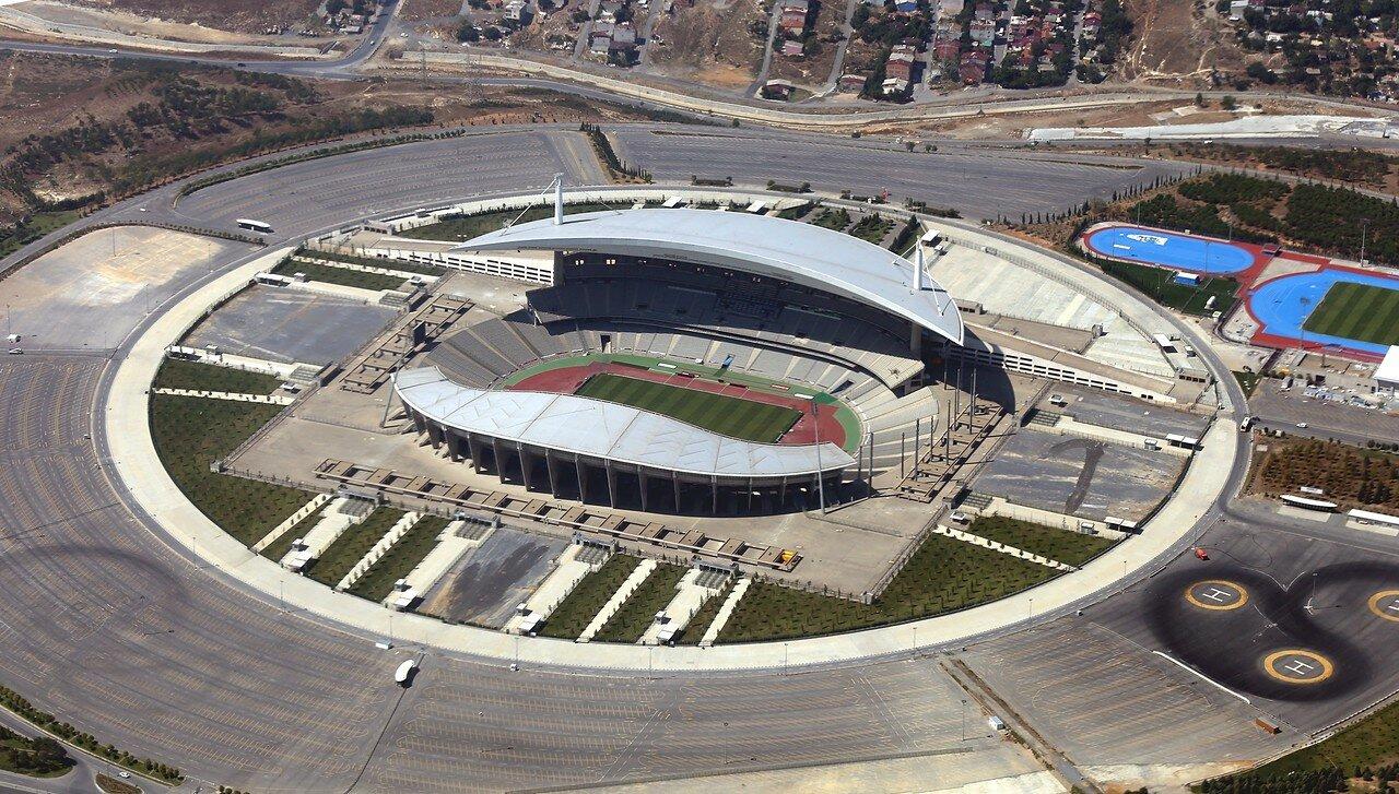 Стамбул, вид с самолета. Олимпийский стадион имени Ататюрка
