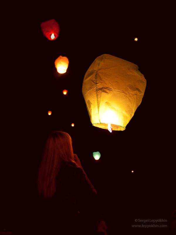 Небесные фонарики в Волгограде. Флэшмоб.