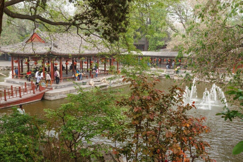 Пруд, галереи и беседка, Гунванфу, дворец князя Гуна