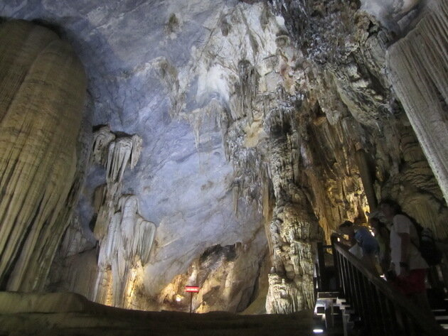 Пещера Шонг Донг (Son Doong cave). Вьетнам