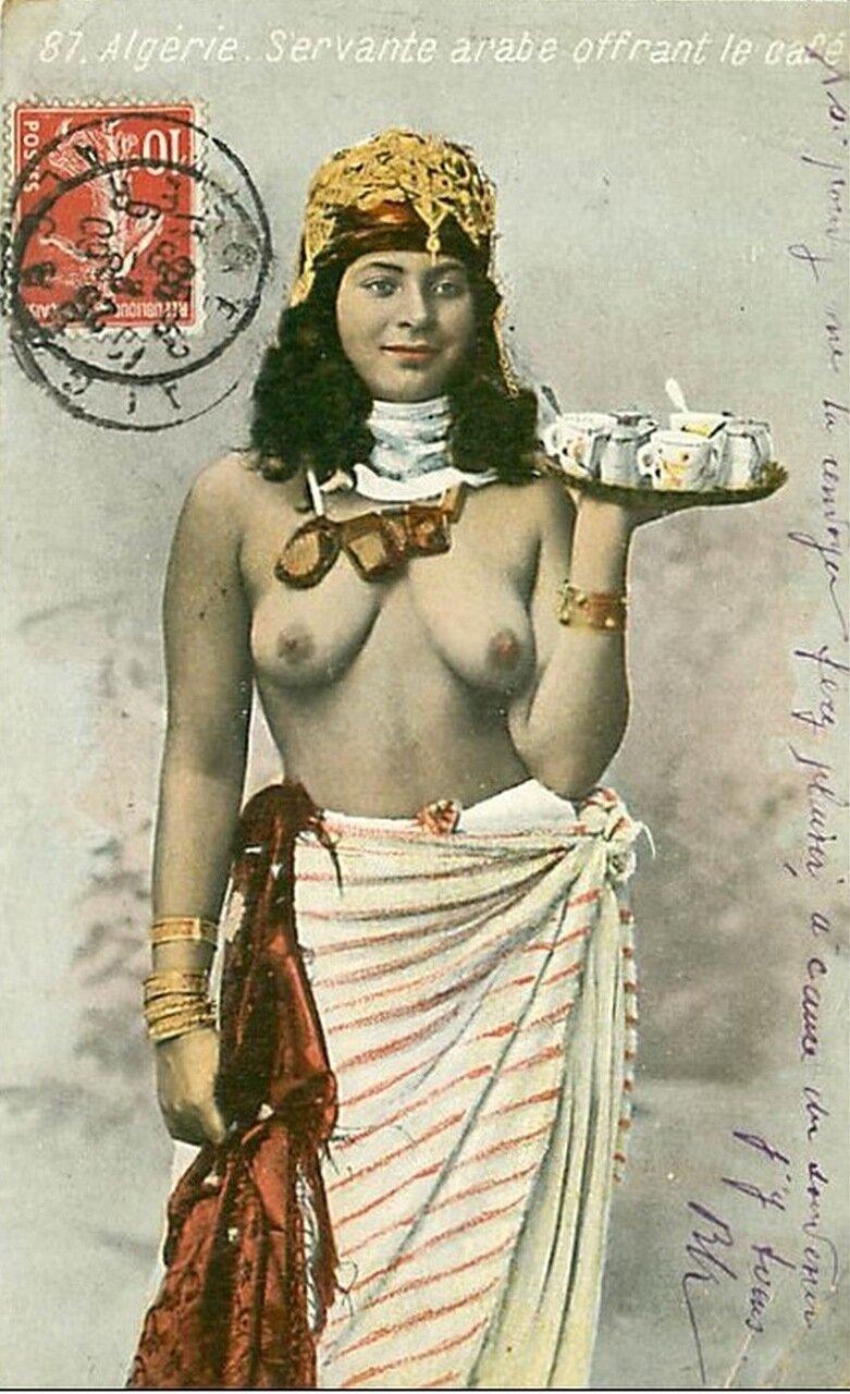 1920-е. Арабская служанка в кафе