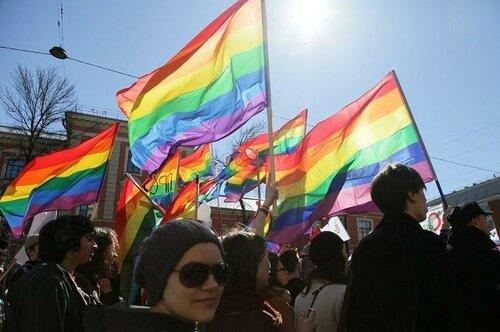 Правительство Италии легализовало однополые браки