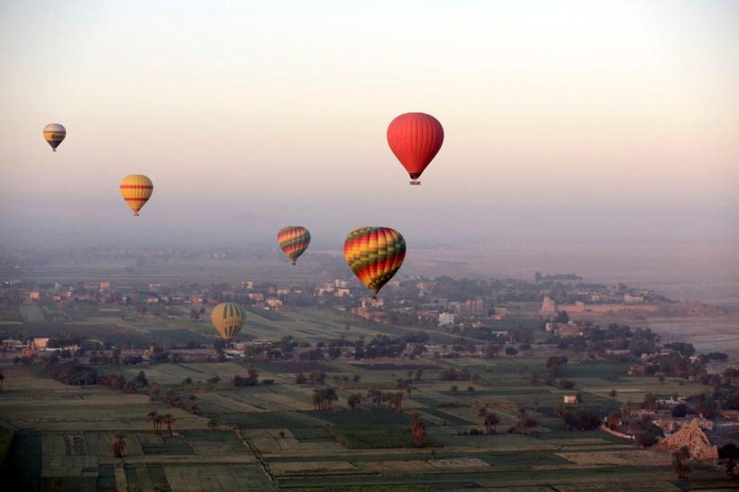 APphoto_Travel Egypt Luxor Ballooning