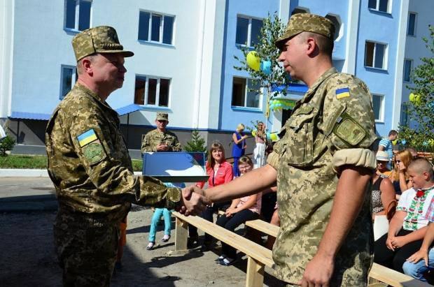 Ко Дню независимости Украины: Министр обороны сообщил о замечательном подарке, который получат военнослужащие (фото)