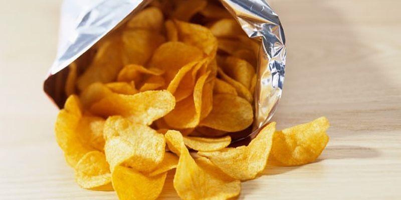 Возвращаем к жизни картофельные чипсы Желающие восстановить хрустящие свойства чипсов могут легко сд