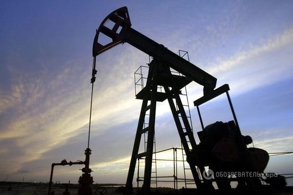 Цены нанефть ускорили снижение вначале рабочей недели