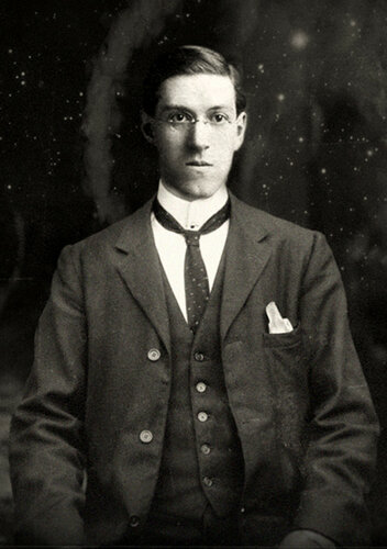 Howard-Phillips-Lovecraft-6.jpg