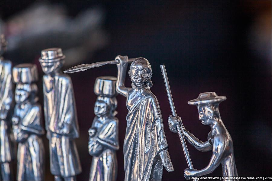 Как делают сувениры из алюминия