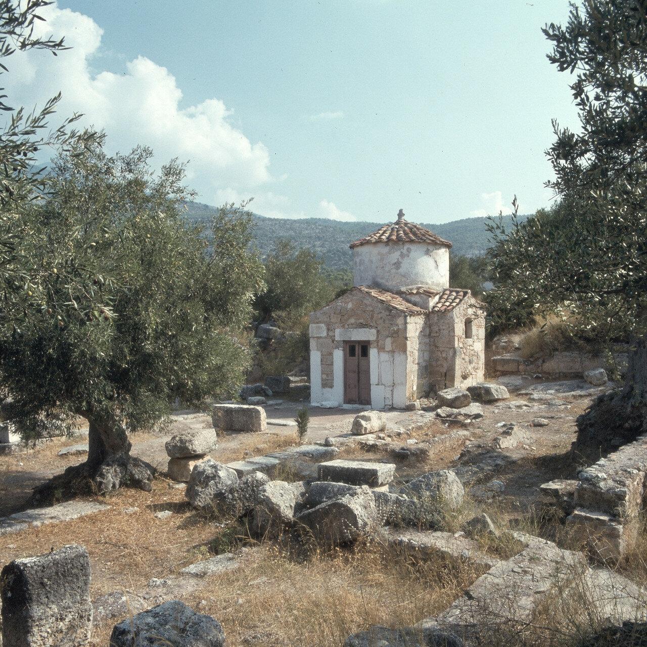 Порто Гермено. Эгосфены. Акрополь Эгосфен. Руины раннехристианской базилики