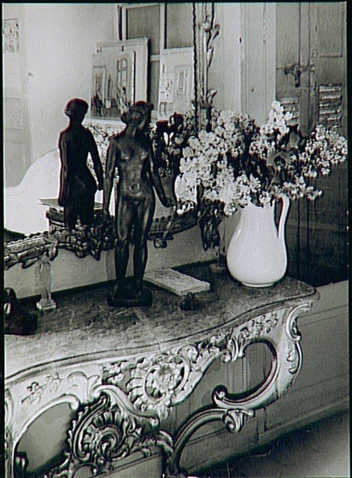 1949. Квартира Рауля Дюфи (художника) со скульптурой его друга Аристида Майоля