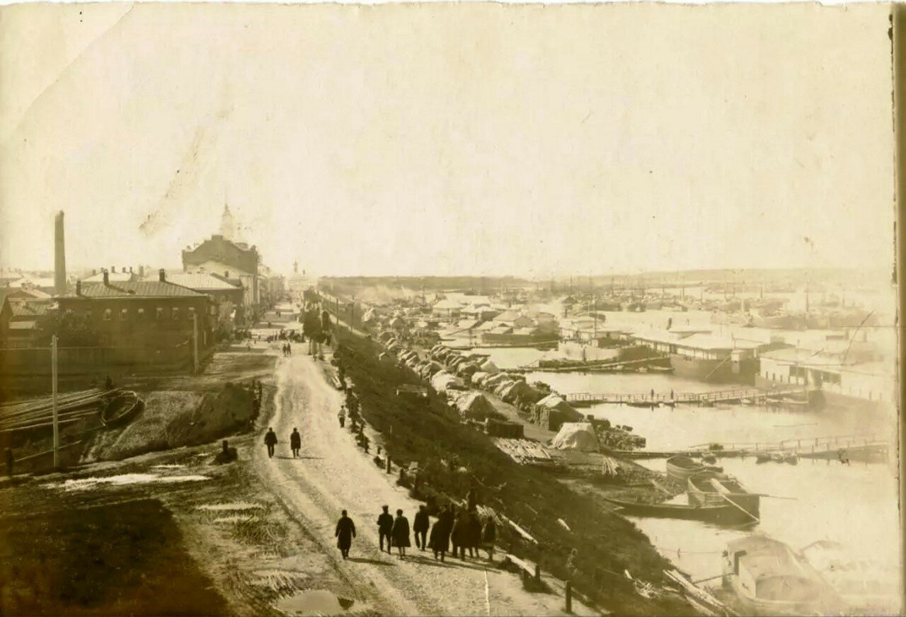 Волжская набережная вблизи устья реки Черемуха