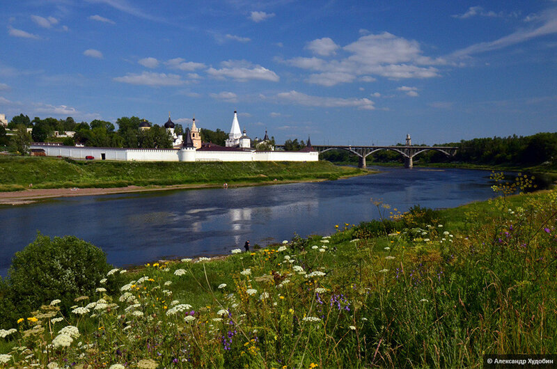 1-9_starica_svyato-uspensky_monastery_russia.jpg
