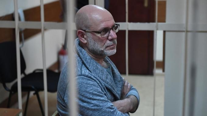 Экс-руководитель «Гоголь-центра» предупредил обопасности «опричного людоедства» вРФ