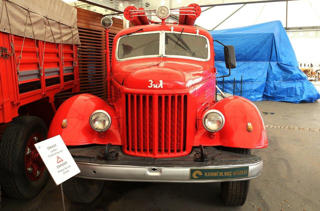 Стамбул. Музей Рахими Коча. Автоцистерна АЦ-30 на шасси ЗиЛ-164