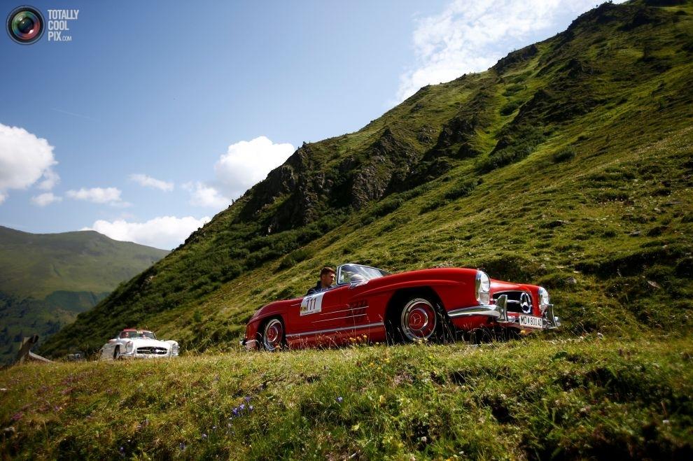 Ралли классических автомобилей Ennstal-Classic в живописных австрийских Альпах (17 фото)