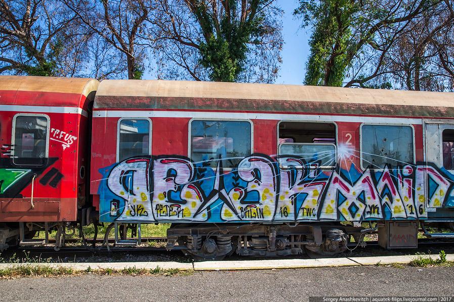 4. В конце 2013 года железная дорога ушла даже из столицы страны: на участке Вора-Тирана рельсы