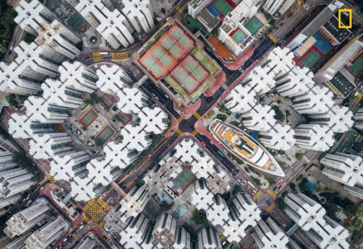 Категория «Города», 2-е место — вид Гонконга с воздуха. Фото: Andy Yeung