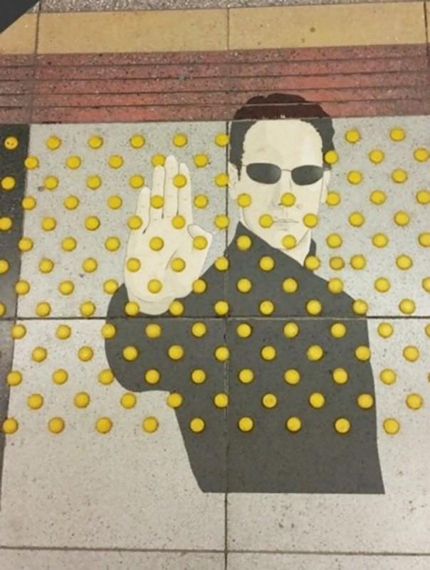 Когда вандализм можно превратить в шутку