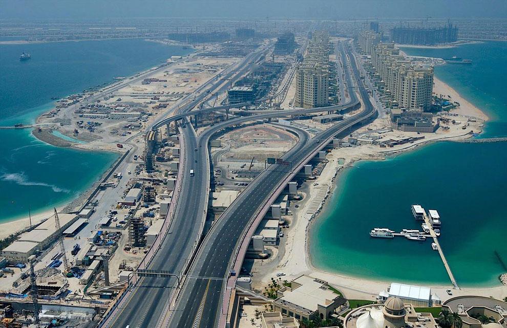Размер острова 5 километров на 5 километров и его общая площадь составляет более 800 футбольных поле