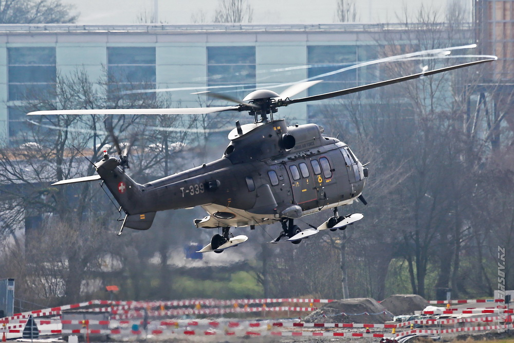 AS332_Super_Puma_T-339_Swiss_Air_Force_2_ZRH.JPG